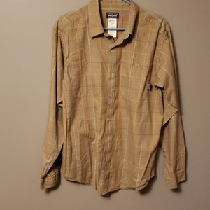 Mens Patagonia 100% organic cotton shirt size M